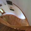 Hajlított fa lépcső